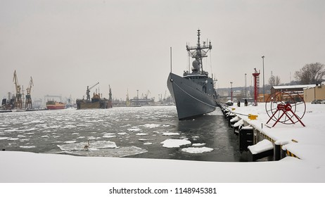 Rocket missile, type Oliver Hazard Perry of the Navy in the winter port