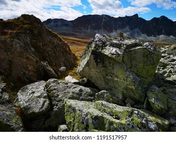 Rocks in the Toûno Region
