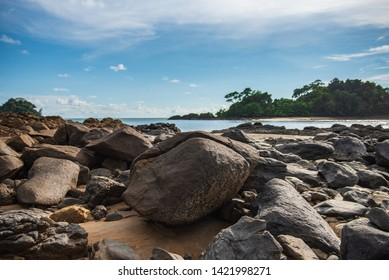 Rocks and sandy beaches in the Gulf of Thailand