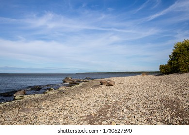 A rocky beach on Hecla Island