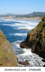rocky cliffs and shoreline of the pacific coast in oregon