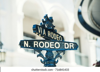 Rodeo drive sign in luxury shopping district of los angeles
