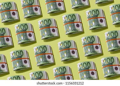 roll of one hundred euro banknotes, layout pattern