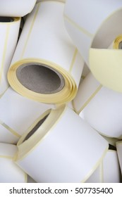 Roll of Tag Label Paper Sticking