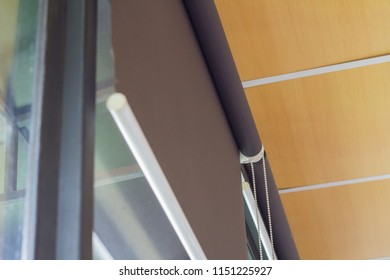 Roller blind sun protection that Select focus point.