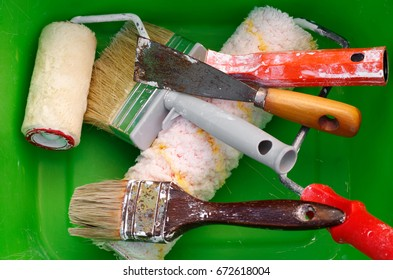 Roller equipment and paint brushes for house painting