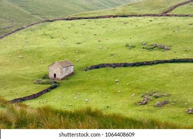 Rolling hils of Darnbrook near Littondale, Yorkshire Dales, North Yorkshire, United Kingdom
