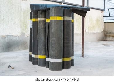 Rolls of bituminous waterproofing membrane