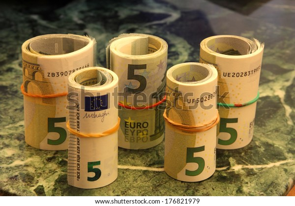 Rolls from notes of 5 euros