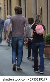 Roma italia, 17 maggio 2020: Martina Stella con il marito Andrea Manfredonia e la figlia Ginevra per le strade di Roma centro, indossano la mascherina protettiva.