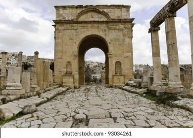 roman city gate in jerash, jordan