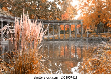 Roman Columns in Parc Monceau in late autumn - Paris, France. Parc Monceau (1778) - Public Park situated in the 8th arrondissement of Paris.