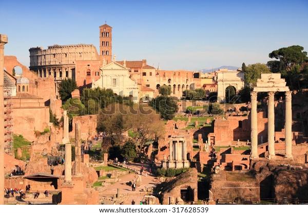 roman-forum-romanum-ancient-landmark-600
