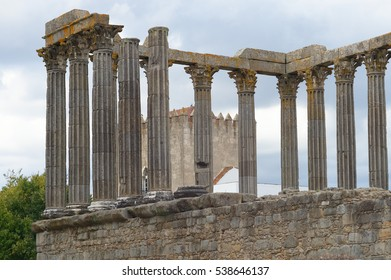 roman ruin evora portugal