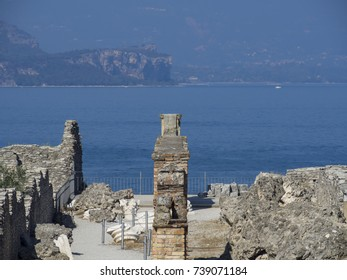 Roman ruins in Sirmione ( Italy )