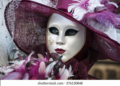 Romance and beauty at Venice carnival