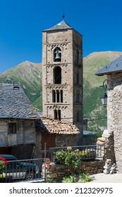 Romanesque church of la Natividad de Durro (Lleida, Spain)