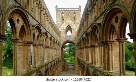 Romanesque & Gothic Arches in Church Architecture