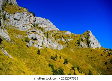 Romania, Bucegi Mountains, The Big Girdle of the Morar, southern side