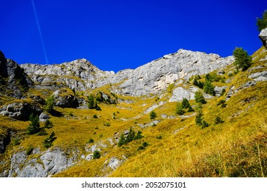 Romania, Bucegi Mountains, viewpoint from The Big Girdle of the Morar, southern side