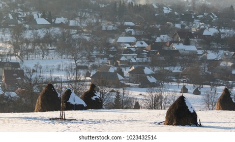 The Romanian countryside has a special charm the entire year. But, when the winter comes, it changes into something incredible. The nature is frozen, the houses are smoking and the light is perfect.