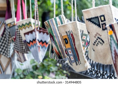 Romanian handmade bags and sacs with folkloric motifs