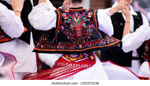 Romanian National costumes for girls