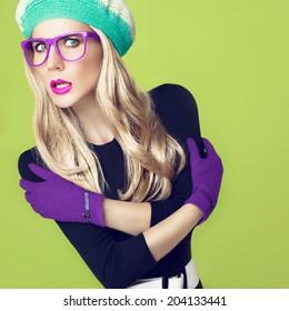 24f07ac52993 Romantic autumn fashion lady