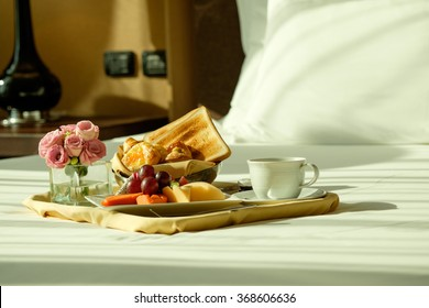 A Romantic Breakfast In Bed