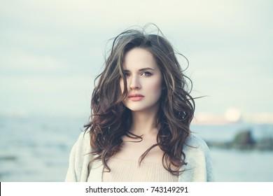 Bilder Stockfoton Och Vektorer Med Long Bob Shutterstock