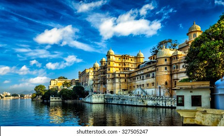 Romantic India luxury tourism wallpaper  - Panorama of Udaipur City Palace and Lake Pichola. Udaipur, Rajasthan, India