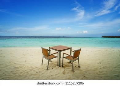 Romantic luxury lunch on the beach