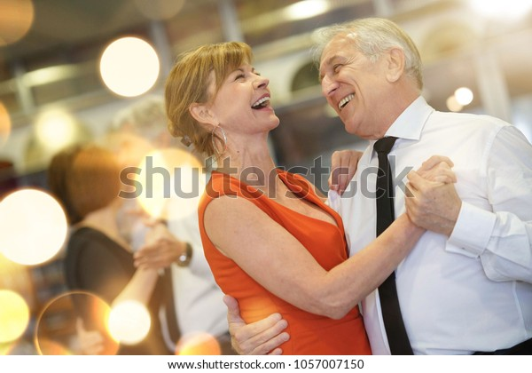 starszy randki z 8 klasąpodłącz strony za darmo dla singli