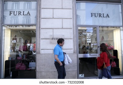 603f1b59979a ROME ITALY FEBRUARY 21 2016 Shop Stock Photo (Edit Now) 382582906 ...