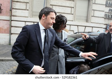Rome, Italy february 2014: Renzi with his wife and children to leave the house to go to the Quirinal for the swearing in of the Prime Minister charged in february 2014 in Rome.
