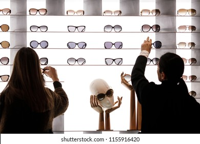 0e981d918933 Sunglasses Display Images
