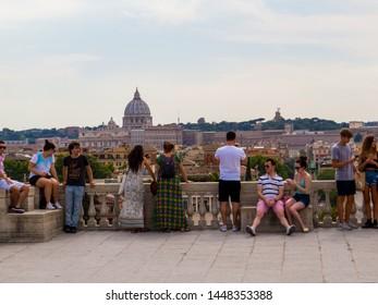 Imágenes Fotos De Stock Y Vectores Sobre Terrazas Italianas