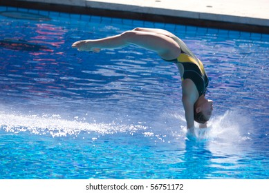 ROME, ITALY - JULY 18: diver Melissa Wu of Australia competes during the diving Women's 10m final on July 18, 2009 at the FINA World Championships in Rome. Paola Espinosa from Mexico won gold