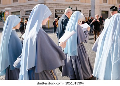 ROME-ITALY-24 10 2015, religious procession through the streets of Rome and the Vatican priests, nuns and monks praying to walk the stalls of Roma, Pilgrimage Summorum Pontificum of 2015