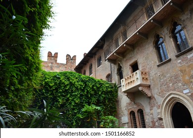 Romeo and Juliet balcony in Verona.  Famous travel destination in Italy. Old town where lived Romeo and Juliet.