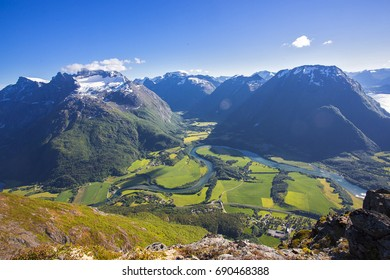 Romsdalseggen Romsdalseggen is Norway's most beautiful hiking trip with a spectacular view of the mountains of Romsdalen