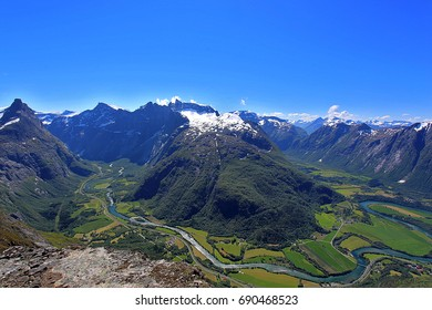 Romsdalseggen is Norway's most beautiful hiking trip with a spectacular view of the mountains of Romsdalen