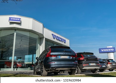 Volvo Car Images Stock Photos Vectors Shutterstock