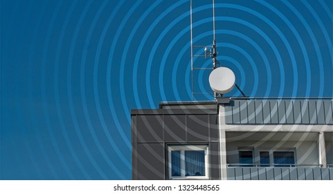 Roof antenna with visible mobile phone emissions