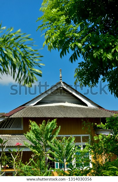 Roof Design Traditional Malay House Located Stock Photo Edit Now 1314030356