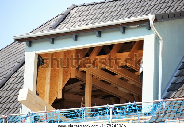 Roof extansions on a residential home