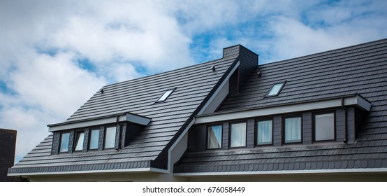 The roof of the house is very beautiful