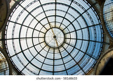 Roof in shopping centre