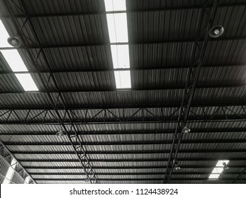 Roof and steel structure of factory with lighting from the outside