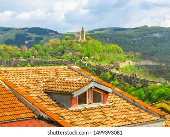 Roofs of the Veliko Tarnovo and Tsarevets, medieval fort on top of hill, capital of the Second Bulgarian Kingdom. Veliko Tarnovo, Bulgaria